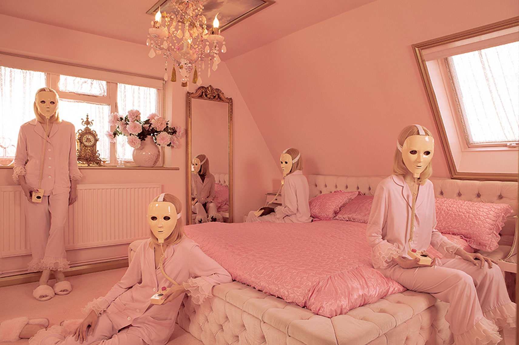 issie-gibbons-fashion-stylist-vogue-italia-eaton-house-pink-house-sleeper